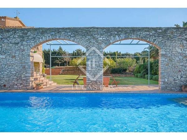 Vente Maison / Villa 550m² La Bisbal d`Empordà
