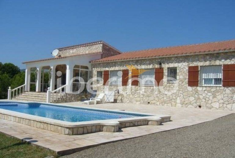 IB-4642 - Villa pour 6 personnes située dans le lotissement de Sant Jordi d'Alfama, à 5 km du centre d'Ametlla de Mar.