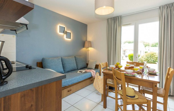 Location vacances Crozon -  Appartement - 6 personnes - Salon de jardin - Photo N° 1