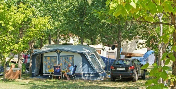 Camping Flower Le Fréjus - Chalet MARINE Confort 30m² (3 chambres) + terrasse + TV