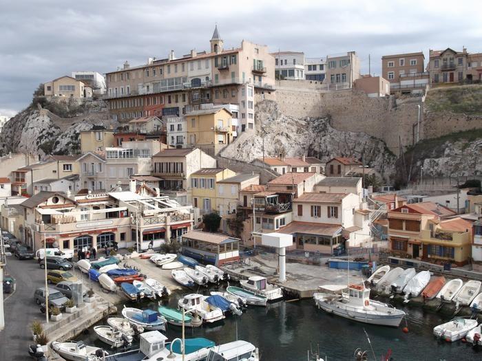 Location vacances Marseille -  Maison - 5 personnes - Câble / satellite - Photo N° 1