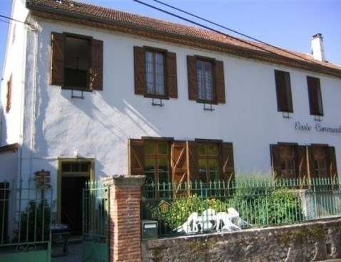 Location vacances Arnave -  Appartement - 4 personnes - Barbecue - Photo N° 1