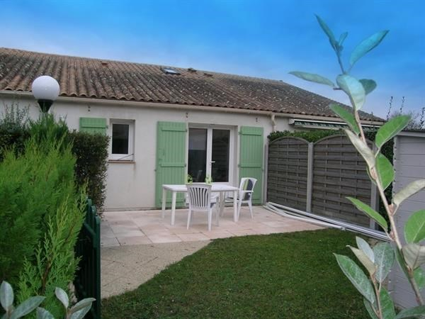 Location vacances Les Mathes -  Maison - 4 personnes - Terrasse - Photo N° 1