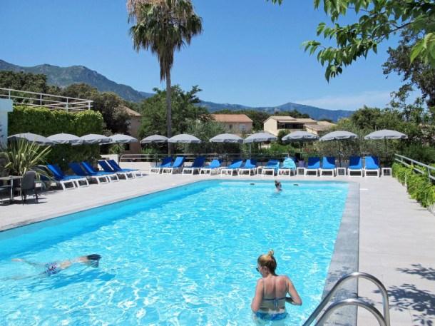 Location vacances Santa-Lucia-di-Moriani -  Appartement - 6 personnes - Barbecue - Photo N° 1