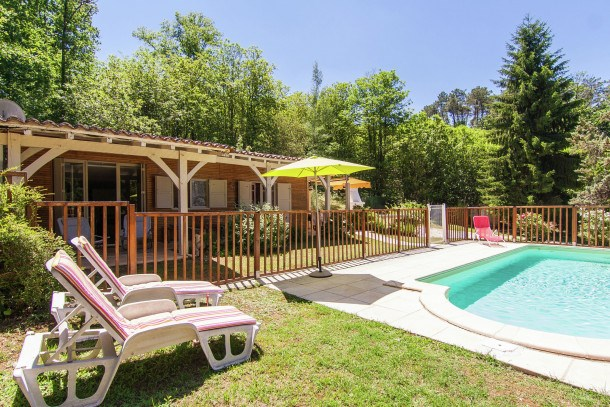 Location vacances Neuvic -  Maison - 4 personnes - Barbecue - Photo N° 1