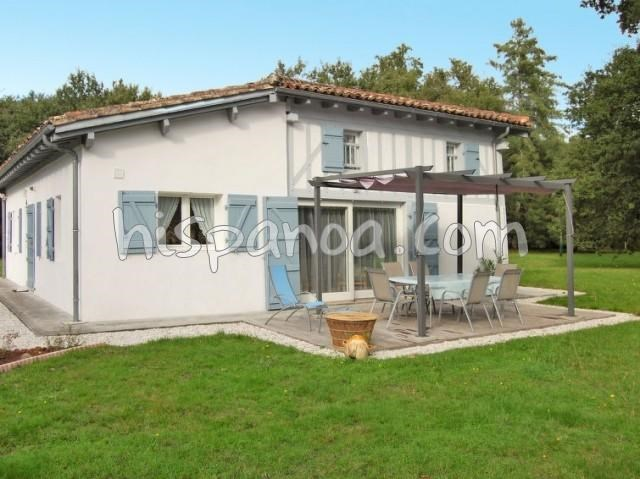 Location vacances Mano -  Maison - 8 personnes - Barbecue - Photo N° 1