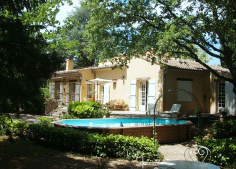 Villa à louer de plain pied, piscine privée,