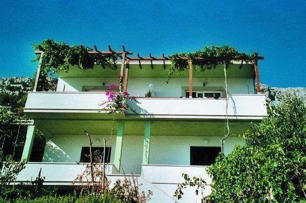 Location vacances Pisak -  Appartement - 4 personnes - Salon de jardin - Photo N° 1