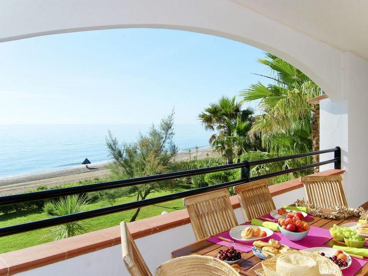 Location vacances Santa-Lucia-di-Moriani -  Appartement - 4 personnes -  - Photo N° 1