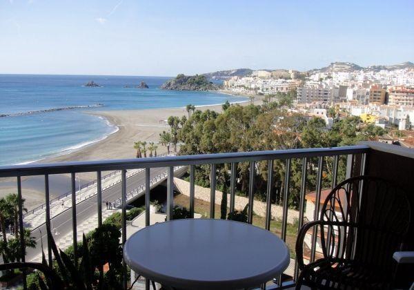 Location vacances Almuñécar -  Appartement - 4 personnes - Jardin - Photo N° 1