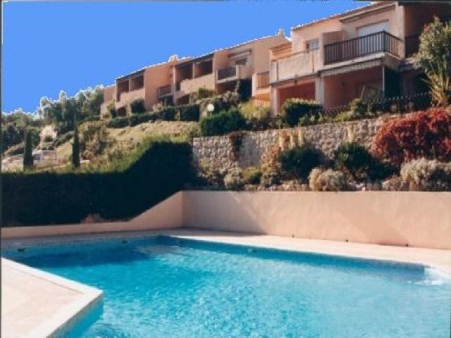 Location vacances Cavalaire-sur-Mer -  Appartement - 4 personnes - Lave-linge - Photo N° 1