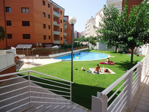 Mi Casa Fenals(2/4pax)-Wifi Free-Pool-Terrace