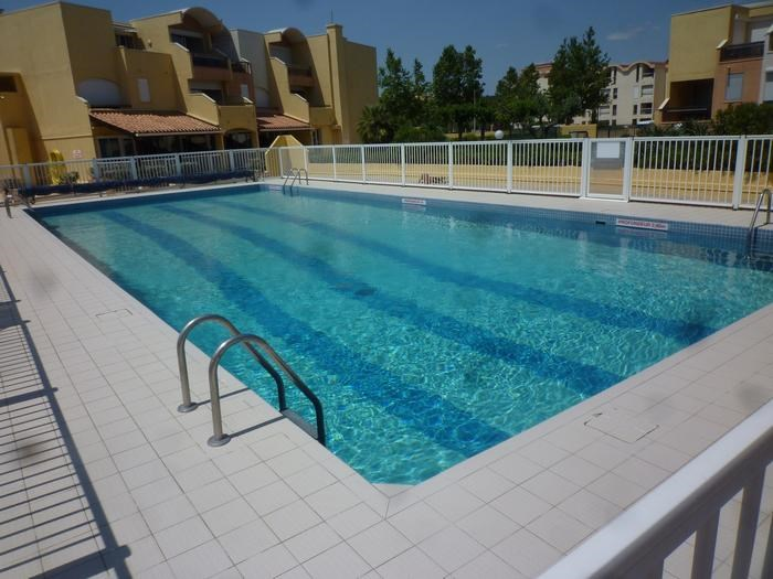 Holiday rentals Gruissan - Apartment - 4 persons - Garden furniture - Photo N° 1