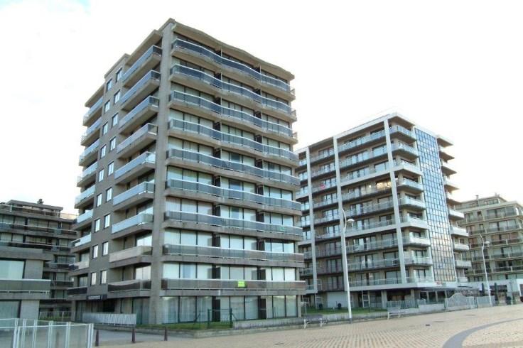 Appartement d'angle avec vue sur mer, situé sur la digue