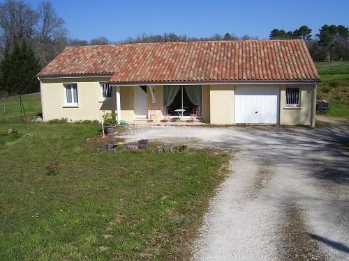 Maison récente située entre Rocamadour et Sarlat à proximité de Gourdon sur 3600m² clôturés accue...
