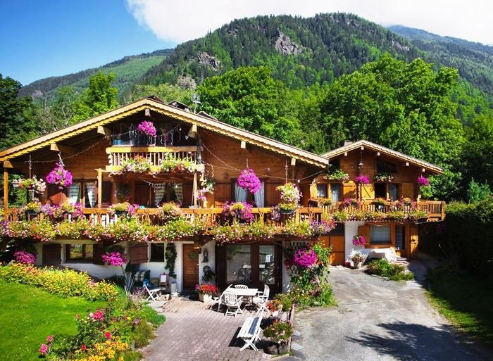 Location vacances Chamonix-Mont-Blanc -  Appartement - 6 personnes - Salon de jardin - Photo N° 1