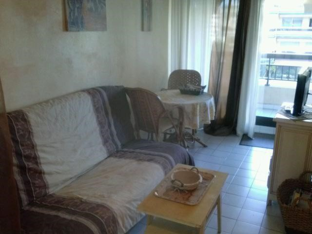 Holiday rentals Fréjus - Apartment - 4 persons - Garden furniture - Photo N° 1
