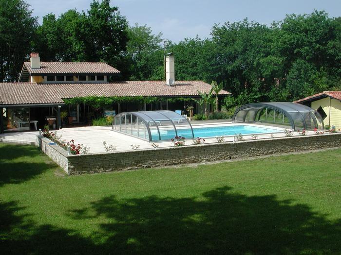 pour 8 pers. avec piscine privée, Orist