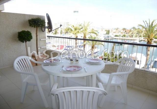Location vacances Castelló d'Empúries -  Appartement - 5 personnes - Salon de jardin - Photo N° 1