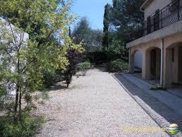 Rez de jardin d'une belle villa a 3 km du grasse