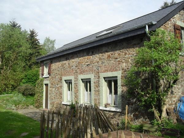 Ravissante petite maison de campagne au village de Cielle