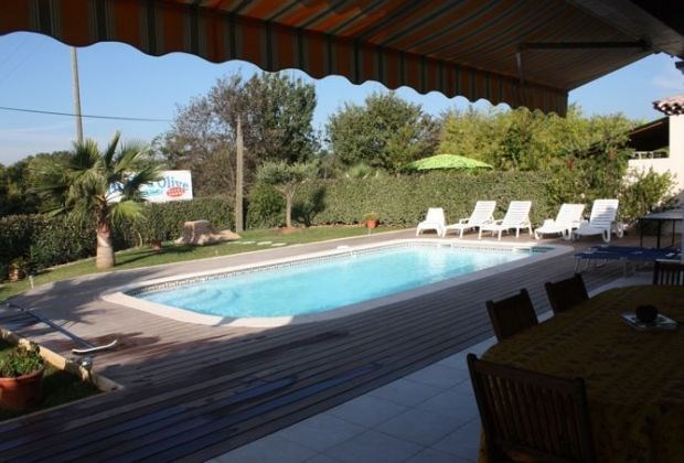 La Villa Claire is a very nice and pleasant villa, situated in a residential area of ​​Frejus.