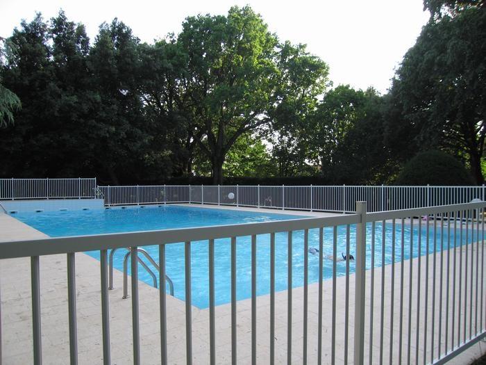 piscine de 25m sur 10m