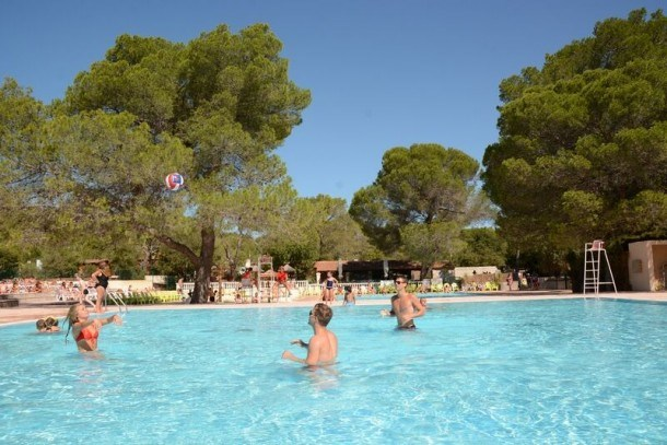 Camping  PIERRE VERTE - MH 3ch 6pers 30m² + Terrasse Couverte