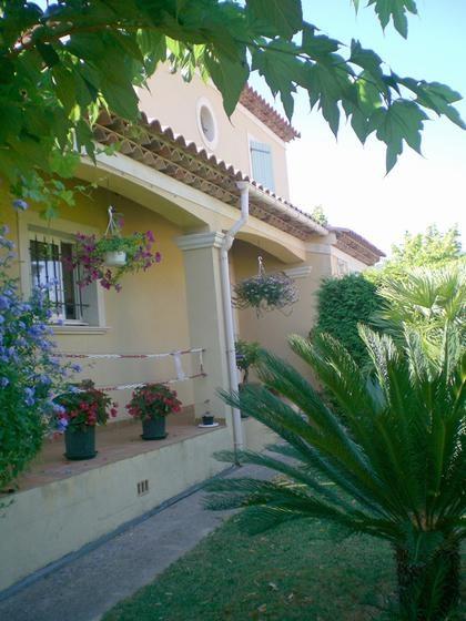 Location vacances Ollioules -  Appartement - 4 personnes - Jardin - Photo N° 1