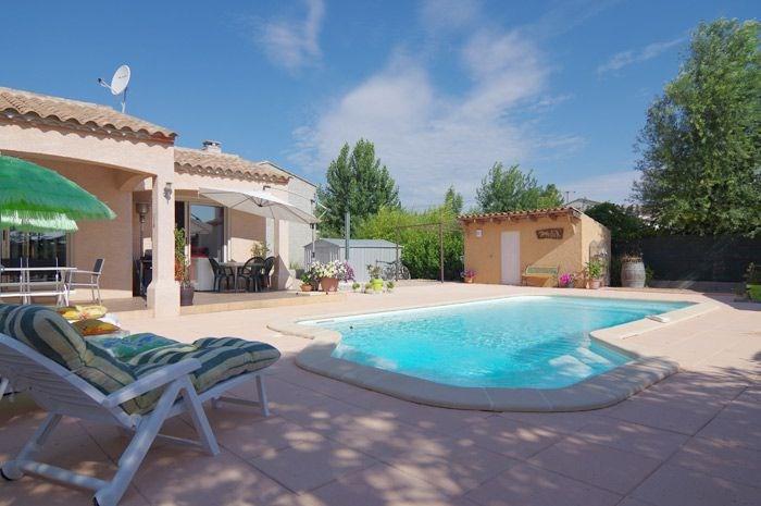 Agréable villa moderne de 131m2 avec piscine sur 800M2 terrain.