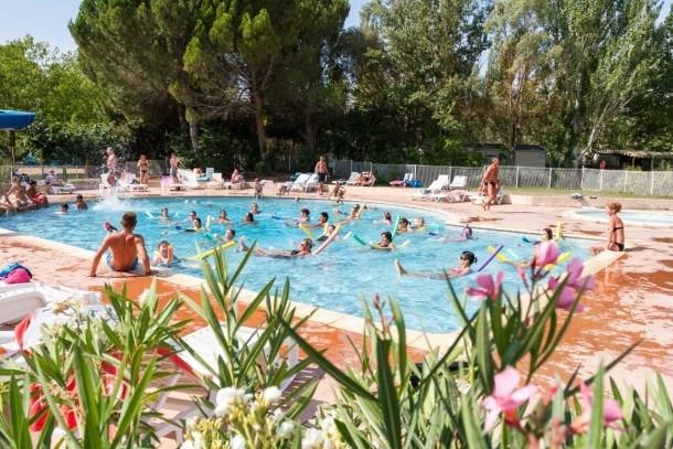 Location vacances Cadenet -  Maison - 6 personnes - Salon de jardin - Photo N° 1