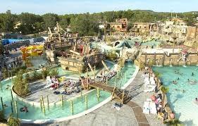 Magnifique Mobil Home pour les vacances dans villages de vacance au Cap d'Agde à la semaine ou weekend pour 4
