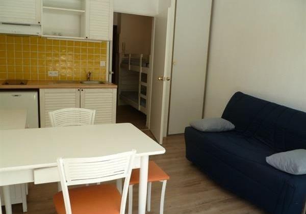 Location vacances La Baule-Escoublac -  Appartement - 4 personnes - Salon de jardin - Photo N° 1