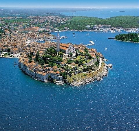 """Séjour 100% confort dans ce village """"cosy"""" bordant la cristalline mer Adriatique... célèbre pour ..."""