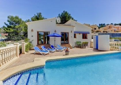 Villa AA96 - Belle villa située dans un quartier résidentiel calme sur un grand terrain et avec de superbes vues déga...