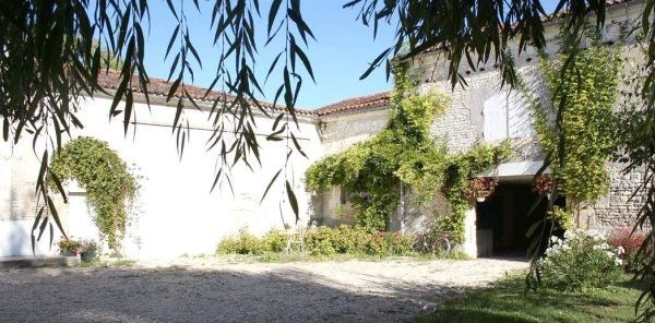 GITE EN CHARENTES - Gensac-la-Pallue