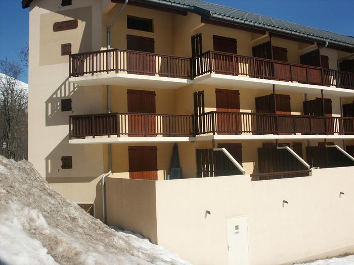 Vue générale de l'appartement (parassol bleu)