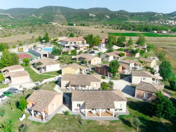 Location vacances Grospierres -  Maison - 8 personnes - Barbecue - Photo N° 1