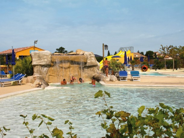 Location vacances Courthézon -  Maison - 3 personnes - Salon de jardin - Photo N° 1