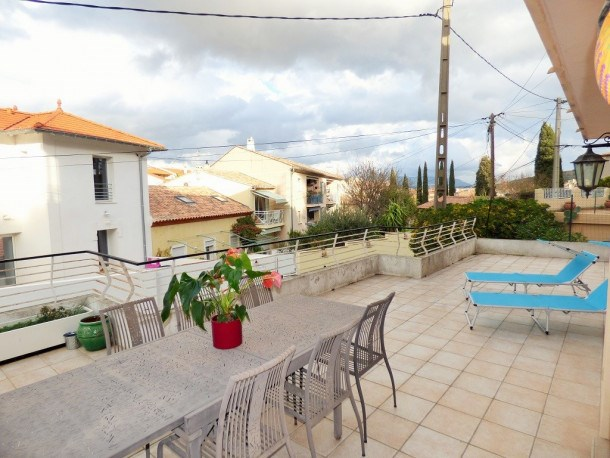 Location vacances Sanary-sur-Mer -  Appartement - 6 personnes - Télévision - Photo N° 1
