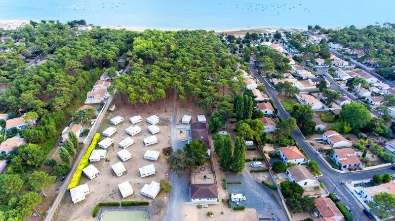 Campéole La Grière, 46 emplacements, 77 locatifs