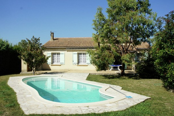 Location vacances Plan-d'Orgon -  Maison - 8 personnes - Barbecue - Photo N° 1