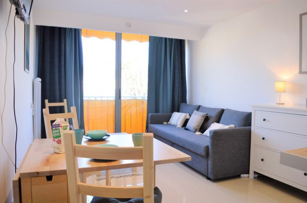 Appartement Studio 2 couchages LE LAVANDOU