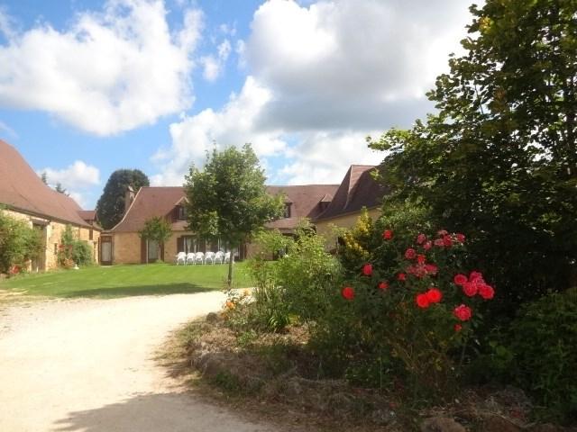 Location vacances Rouffignac-Saint-Cernin-de-Reilhac -  Maison - 27 personnes - Barbecue - Photo N° 1
