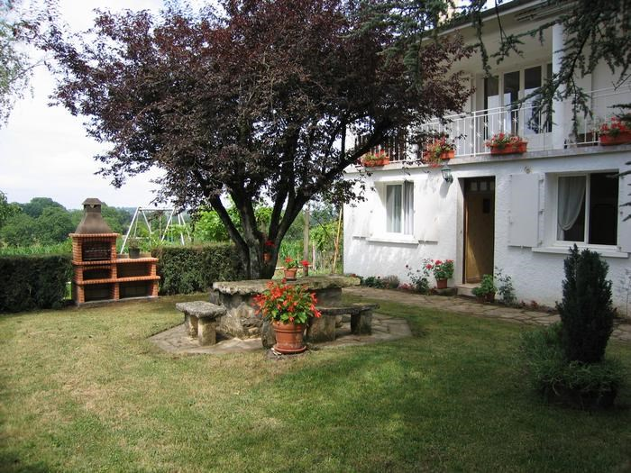 Location vacances Montbazens -  Appartement - 5 personnes - Barbecue - Photo N° 1