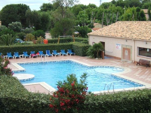 Appartement T4 pour 6 personnes à Saint Cyprien (66750). 3 chambres spacieuses et grand séjour ouvrant sur une immens...