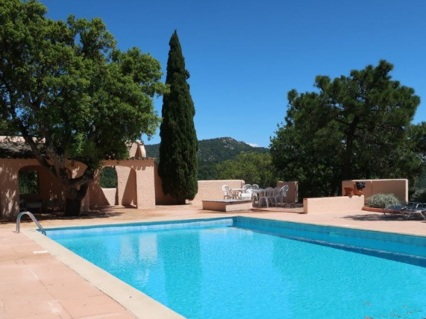 Location vacances Grimaud -  Appartement - 4 personnes - Barbecue - Photo N° 1