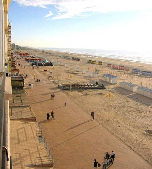 Vue du balcon vers Dunkerque.