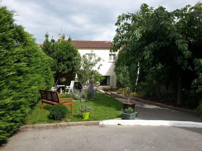 Location vacances Saint-Étienne-de-Fontbellon -  Maison - 6 personnes - Barbecue - Photo N° 1