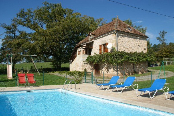 Location vacances Rueyres -  Maison - 6 personnes - Barbecue - Photo N° 1
